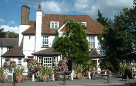 Three Horseshoes (Laleham) -Exterior 1