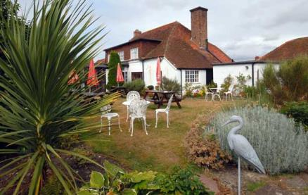 The Lamb Inn (Pagham) -Exterior 2