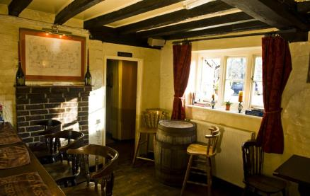 The White Lion (Thakeham)-Interior 2