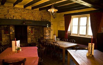 The White Lion (Thakeham)-Interior 4