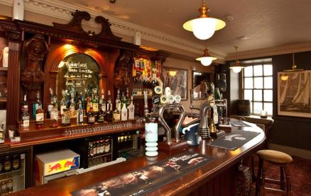 The Albion Tavern -Interior 1