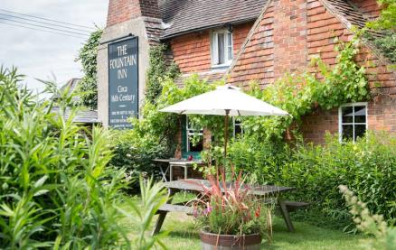 The Fountain Inn (Steyning)-Exterior 2