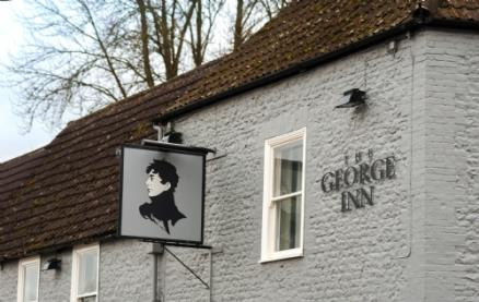 The George Inn (Warminster)-Exterior