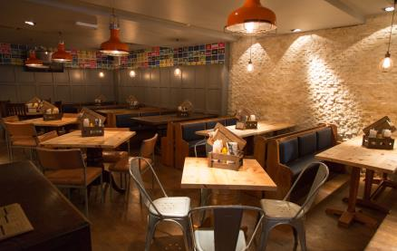 Craft & Grill-Interior 1