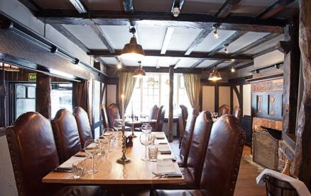 Rose 'N Crown Chophouse-Interior 1