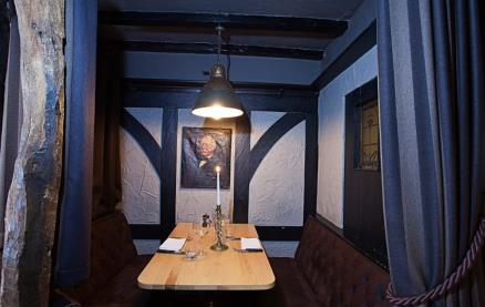 Rose 'N Crown Chophouse-Interior 2